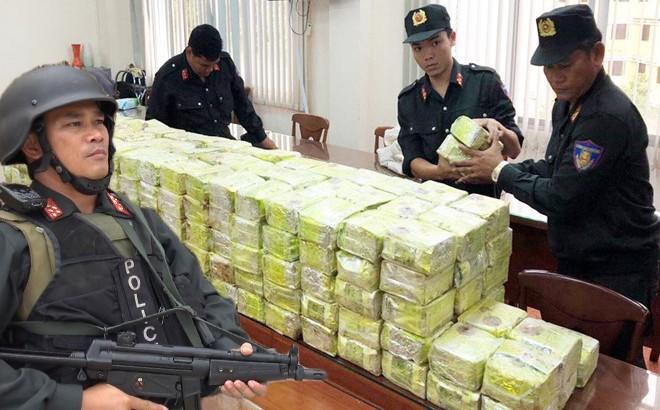 [VIDEO] Triệt phá đường dây vận chuyển gần nửa tấn ma túy về Sài Gòn