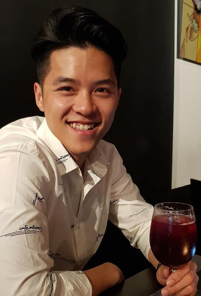 Em ruột đã cuốn hút, đến em họ của Đặng Văn Lâm cũng đẹp trai như tài tử, học vấn đỉnh cao khiến chị em 'phát sốt' - ảnh 7