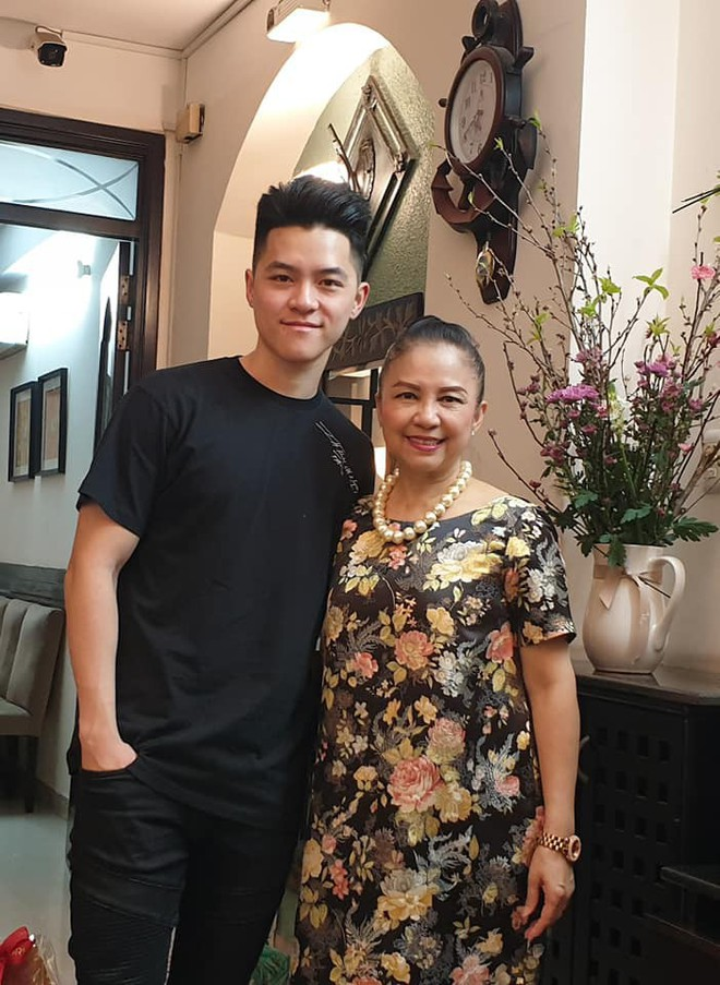 Em ruột đã cuốn hút, đến em họ của Đặng Văn Lâm cũng đẹp trai như tài tử, học vấn đỉnh cao khiến chị em 'phát sốt' - ảnh 12