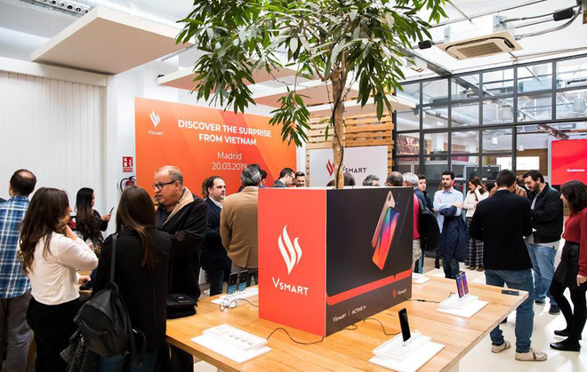 Điện thoại Vsmart của Vingroup xuất ngoại, chính thức có mặt tại Tây Ban Nha - Ảnh 1.