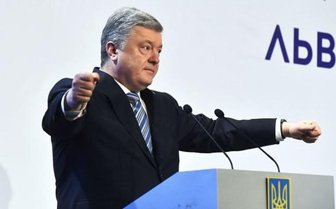 Ukraine 'hùa theo' phương Tây, ra lệnh trừng phạt Nga không chùn tay