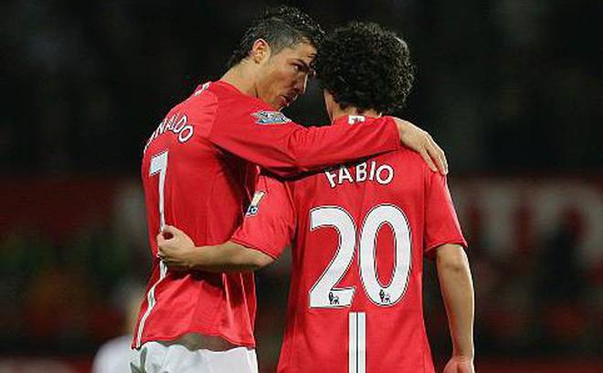 Cựu sao Man United tiết lộ sự hào hiệp khác hẳn vẻ ngoài khinh khỉnh của Ronaldo