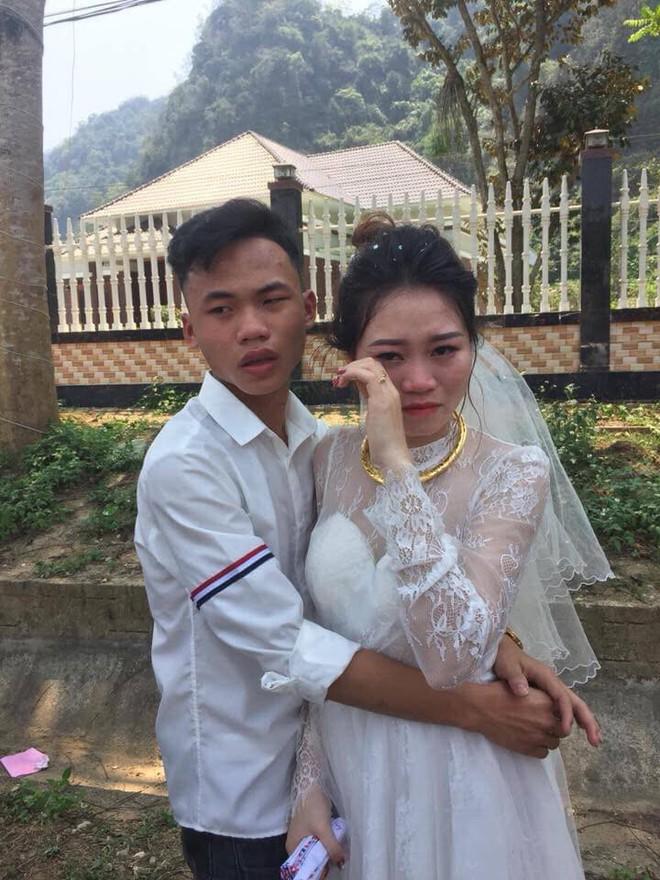 Ngày tiễn chị lấy chồng, em trai khóc đỏ mắt, ôm mãi không chịu buông - Ảnh 4.