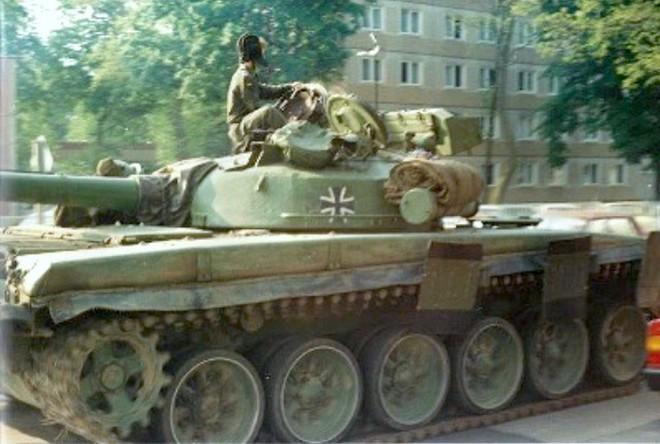 Lưu lạc nơi đất khách: Xe tăng T-72 của Quân đội Đức bị Mỹ, Israel khám phá bí mật - Ảnh 1.