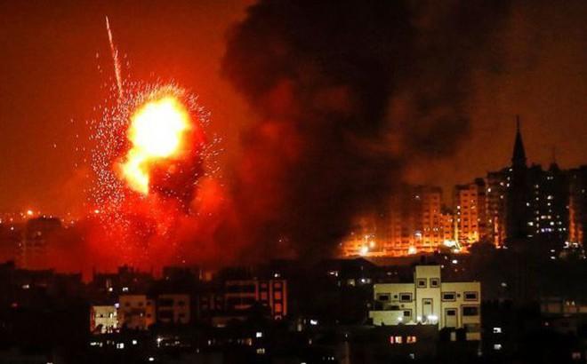 Nổi giận vì bị nã rocket, Israel tấn công trả đũa dữ dội
