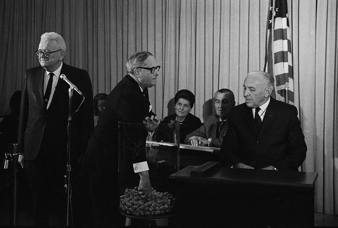 Lính Mỹ từng bị gọi tham chiến ở Việt Nam theo kiểu bốc xổ số, Donald Trump cũng có tên - Ảnh 3.