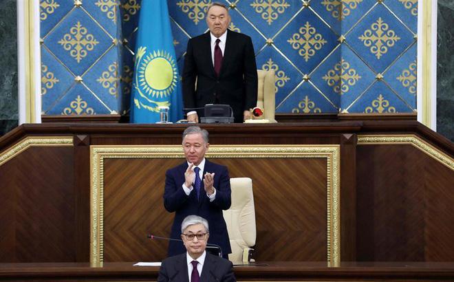 """TT Kazakhstan từ chức, quyền lực vẫn gần như nguyên vẹn: """"Người cha của dân tộc"""" đã tính toán kĩ lưỡng?"""