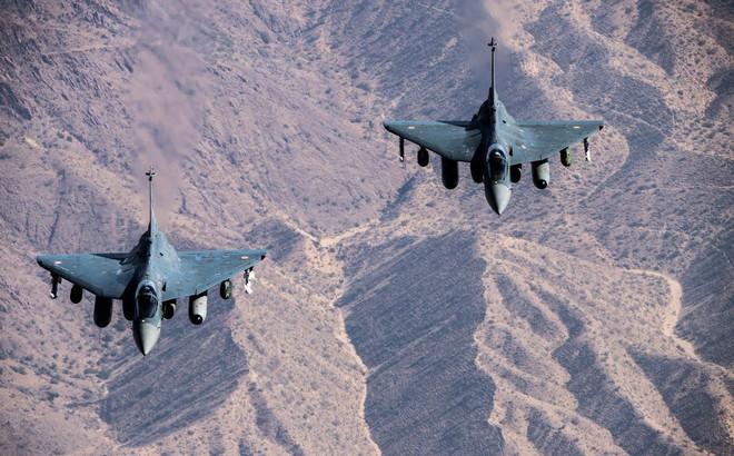 Ấn đem tiêm kích Tejas đến Malaysia để hất cẳng JF-17 Trung Quốc: Cái kết bất ngờ chờ sẵn