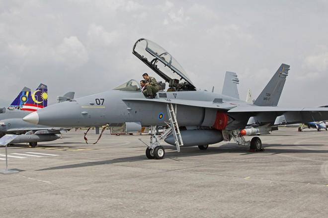 Ấn đem tiêm kích Tejas đến Malaysia để hất cẳng JF-17 Trung Quốc: Cái kết bất ngờ chờ sẵn - Ảnh 6.