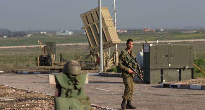 NÓNG: Israel bị tấn công nghiêm trọng - Thủ tướng Netanyahu khẩn cấp gặp TT Mỹ! - Ảnh 3.