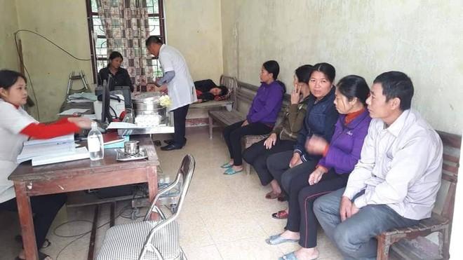Gần 40 người ngộ độc sau bữa ăn giỗ của hàng xóm - Ảnh 2.