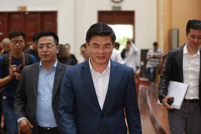 Quảng Ninh họp báo vụ chùa Ba Vàng: Đang thẩm định phát ngôn xúc phạm cô gái giao gà để xử lý theo luật - Ảnh 1.