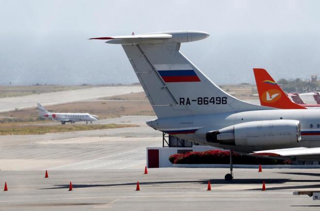 Mỹ tuyên bố sẽ không ngồi yên nhìn Nga ủng hộ ông Maduro - Ảnh 1.