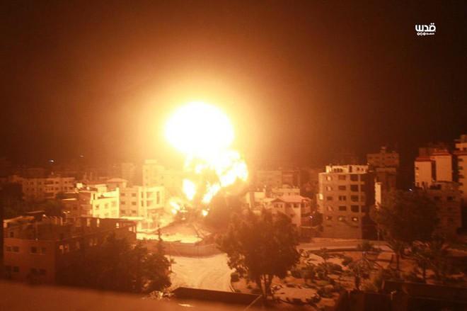 Israel bị tấn công lớn chưa từng có, dải Gaza đang nóng hầm hập - Ảnh 1.