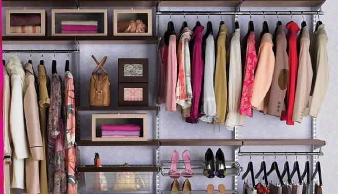 Bật mí 3 phép thuật dọn dẹp tủ quần áo của Kondo Marie: Vứt bỏ đồ cũng là cả một nghệ thuật - Ảnh 3.