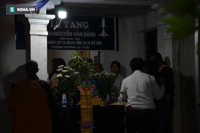 Cuộc tranh luận đau lòng trong đám tang thanh niên bị xe khách đâm chết ở Vĩnh Phúc - Ảnh 4.