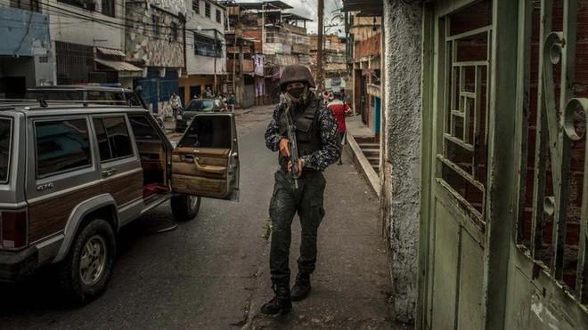 Nga đưa quân vào, Venezuela vẫn bất ổn, nhưng Colombia lại là nạn nhân? - ảnh 1