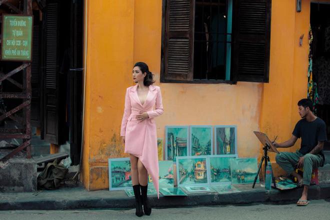 Nhan sắc rạng rỡ của nữ ca sĩ vừa trở về Việt Nam sau 15 năm biệt xứ vì scandal ảnh nóng - Ảnh 4.