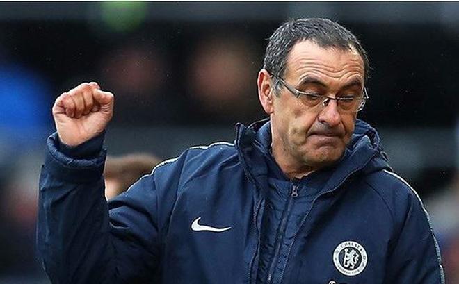 Sáng tỏ tương lai của HLV Sarri tại Chelsea