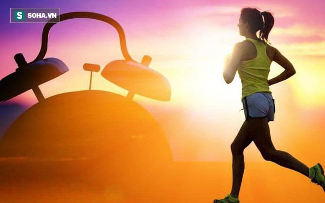 6 mẹo giúp bạn dậy sớm mỗi ngày rất hiệu quả: Hãy thử thách bản thân trong 1 tuần - Ảnh 1.