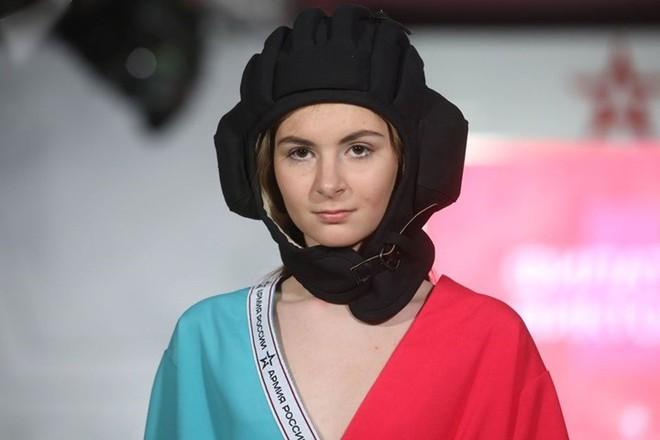 Ảnh: Thời trang quân sự Nga - hấp dẫn, sành điệu và khỏe khoắn - ảnh 3