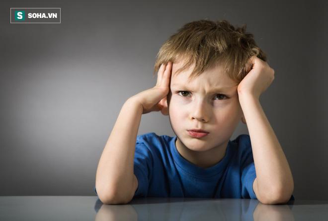 Cho trẻ ngủ muộn có tác hại khủng khiếp: Không chỉ thấp còi, mà còn có nhiều nguy cơ khác - Ảnh 1.