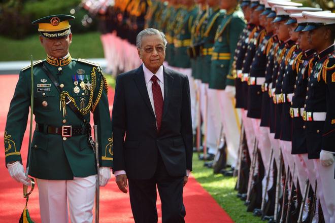 Thủ tướng Malaysia: Nếu buộc phải chọn, tôi sẽ chọn Trung Quốc - Ảnh 1.