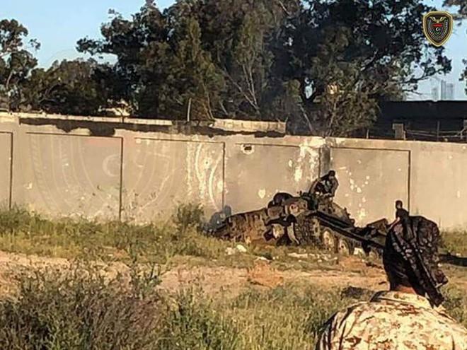 Chiến sự Libya đảo chiều nhanh chóng - Đầu não nhiều đơn vị GNA bị đánh tan hoang, tình hình nguy ngập - Ảnh 13.