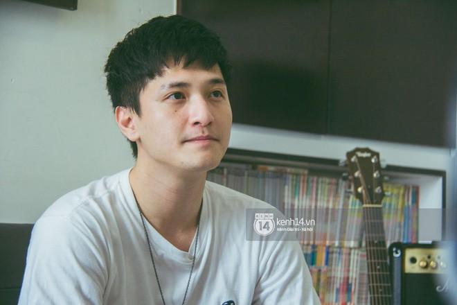 Clip độc quyền: Huỳnh Anh chính thức xin lỗi đoàn phim và khán giả sau ồn ào bị tố tự ý bỏ quay - Ảnh 3.