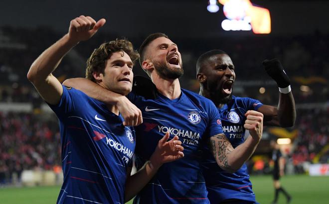 Arsenal thong dong, Chelsea chật vật, nhưng rốt cuộc đều có được kết quả như ý