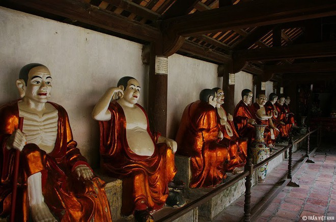 Các vị La hán chùa Tây Phương (Hà Nội)