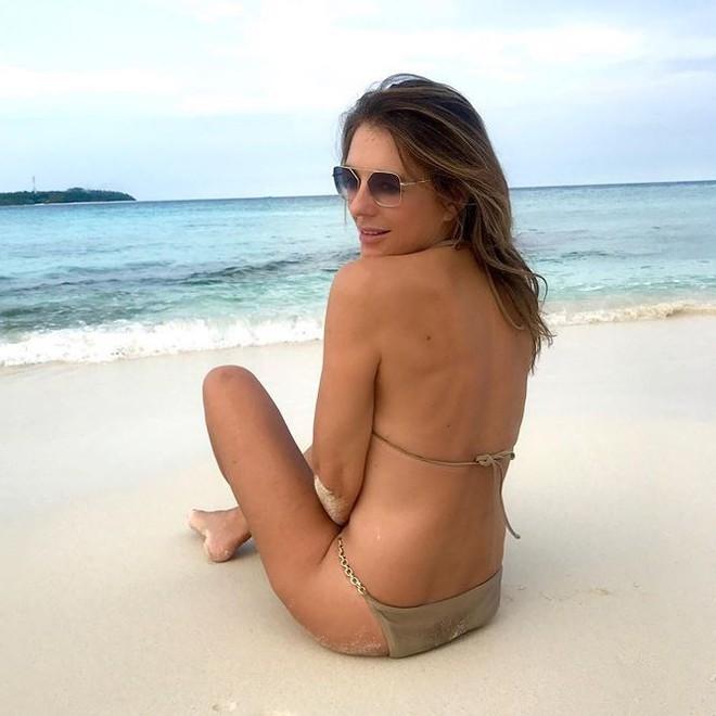 Mỹ nhân U60 khoe dáng nuột như gái đôi mươi với bikini - Ảnh 5.