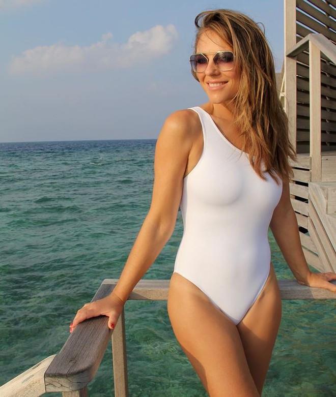 Mỹ nhân U60 khoe dáng nuột như gái đôi mươi với bikini - Ảnh 6.