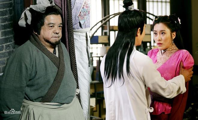 Diễn viên lùn nhất Trung Quốc: Chỉ cao 1m2 nhưng đào hoa, lấy tới 4 vợ trẻ đẹp - Ảnh 2.