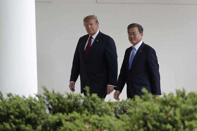 Nói chuyện riêng không quá 5 phút, TT Hàn Quốc muốn nhanh nhưng ông Trump chưa vội về đàm phán Mỹ Triều - Ảnh 1.