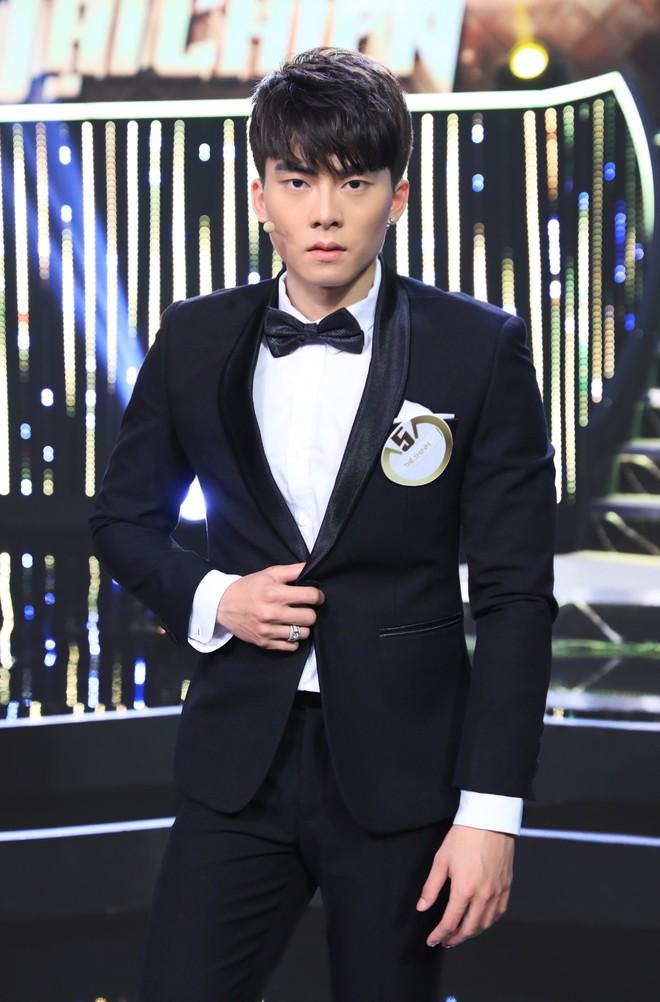 Đẹp trai, 6 múi và giỏi thả thính, anh chàng này khiến Hương Giang Idol mất kiểm soát - Ảnh 3.