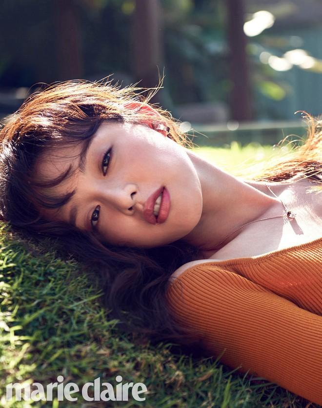 Vừa lộ diện, nữ thần Hậu duệ mặt trời Kim Ji Won đã bị tiểu tam tin đồn của đôi Song Song lấn lướt về nhan sắc? - Ảnh 5.