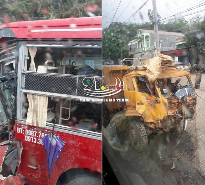 Xe khách đối đầu xe tải, hiện trường vụ tai nạn khiến dân mạng ám ảnh  - Ảnh 1.