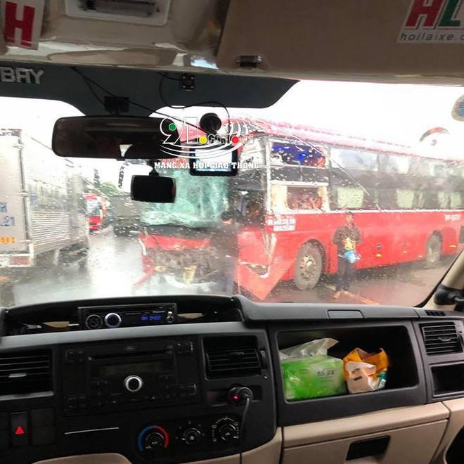 Xe khách đối đầu xe tải, hiện trường vụ tai nạn khiến dân mạng ám ảnh  - Ảnh 4.