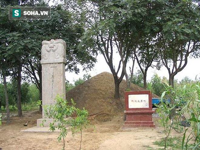 7 bộ xương nữ trong mộ Kỷ Hiểu Lam và sự thật gây sốc về vị quan nổi tiếng này - Ảnh 4.