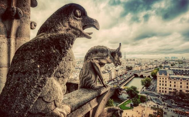 Nhà thờ Đức Bà: Ngụ ý ẩn sau các bức tượng 'ác quỷ quan sát thành Paris'