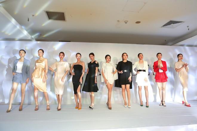 Quỳnh búp bê Phương Oanh tái xuất sàn catwalk, trình diễn ấn tượng - ảnh 7