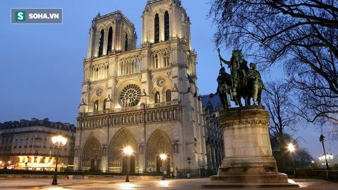 Kiến trúc khổng lồ gần 2.000 năm tuổi tồn tại ngay dưới chân nhà thờ Đức Bà Paris - Ảnh 1.