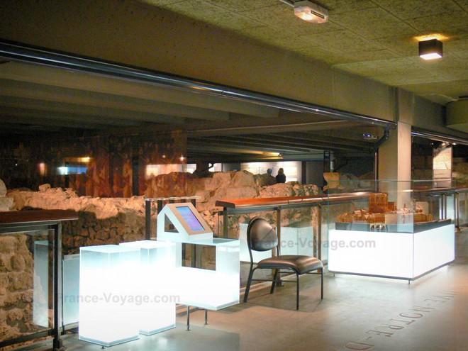Kiến trúc khổng lồ gần 2.000 năm tuổi tồn tại ngay dưới chân nhà thờ Đức Bà Paris - Ảnh 13.