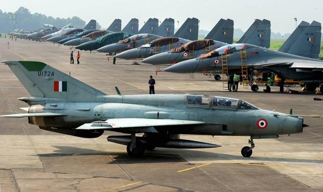 Kho vũ khí khổng lồ do Nga sản xuất của Ấn Độ - ảnh 6