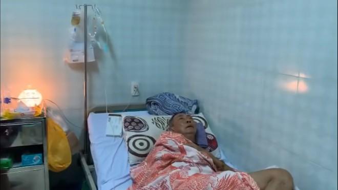 Nghệ sĩ Lê Bình 3 ngày không ăn, đau đớn bật khóc khi Đại Nghĩa, Trịnh Kim Chi đến thăm  - Ảnh 3.