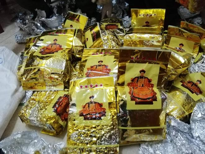 Vụ bắt giữ gần 1 tấn ma túy đá ở Nghệ An: Từ đống rác ven đường đến nhà kho toàn loa thùng - Ảnh 4.