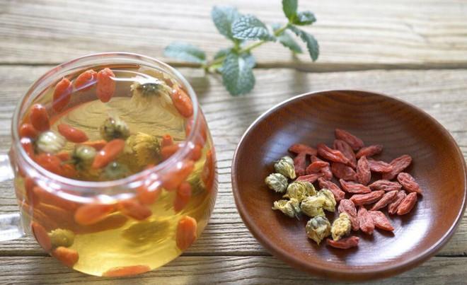 Đông y khen cây dại này tốt từ gốc đến ngọn: Lá, quả, rễ đều có thể nấu thành món ăn thuốc - Ảnh 4.