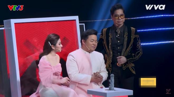 Quang Lê bật khóc khi nghe ca sĩ khiếm thị hát Bolero hay như Giao Linh - Ảnh 6.