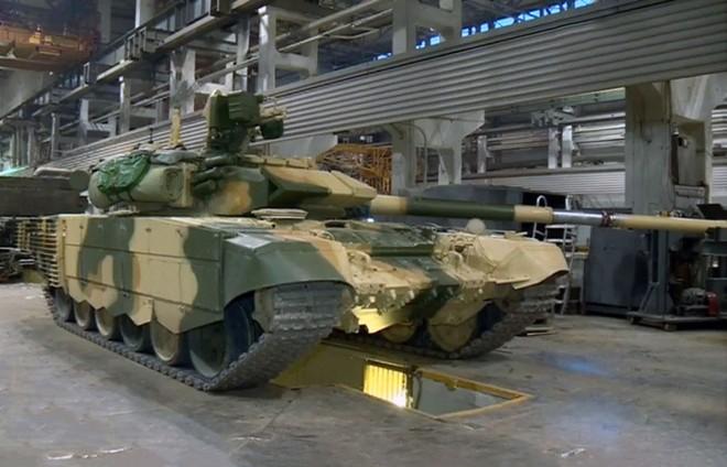 Xe tăng T-90 Nga thực sự hot: Việt Nam, Iraq lần lượt nhận hàng - Ảnh 1.
